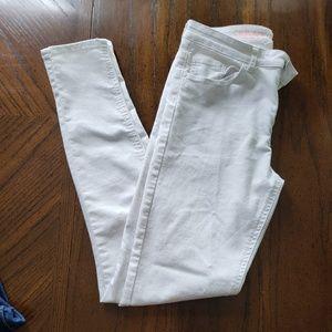 White skinny pants